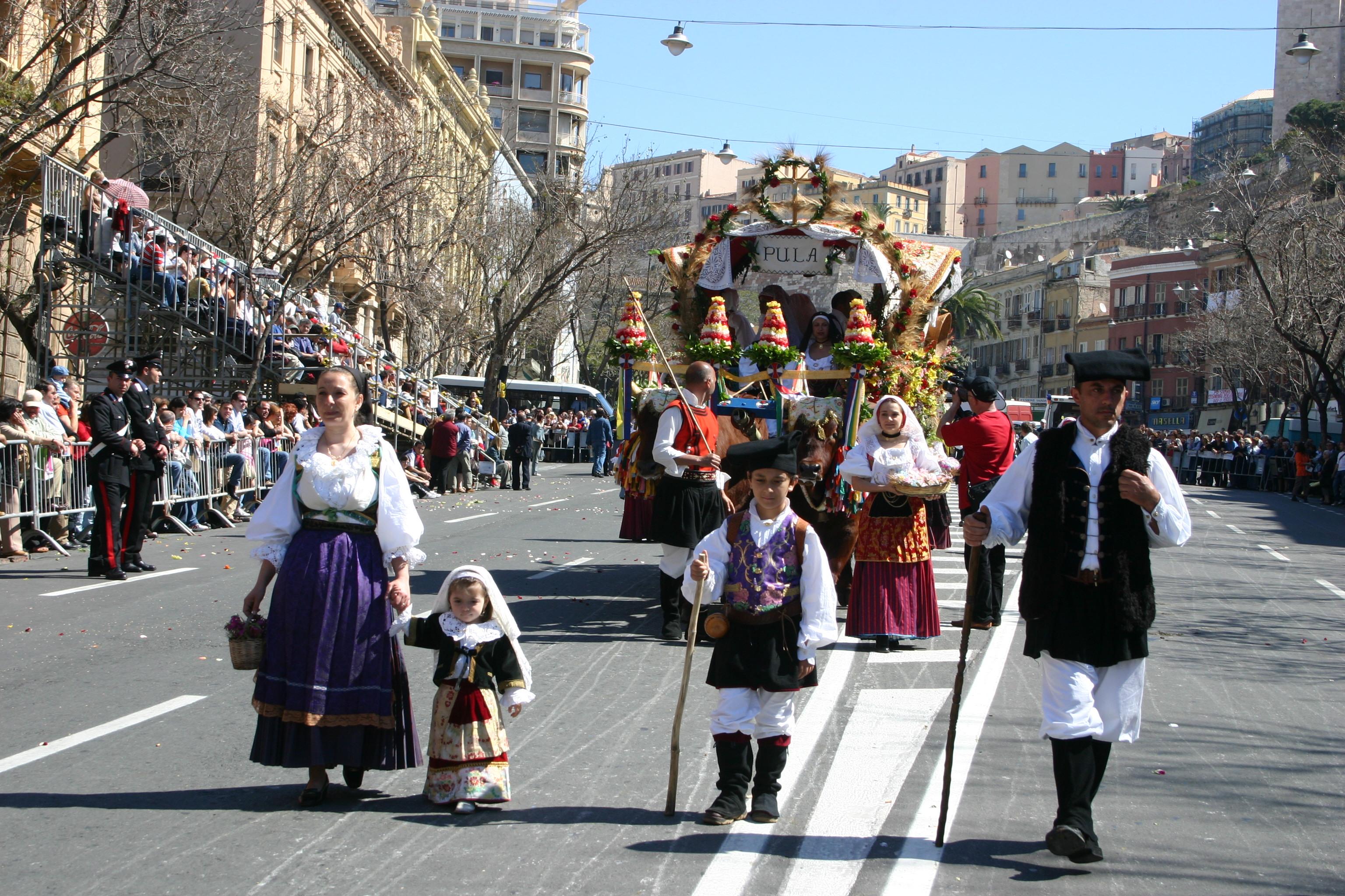 Découvrez Cagliari et la Sant'Efisio du 1er mai - Sardegna ...