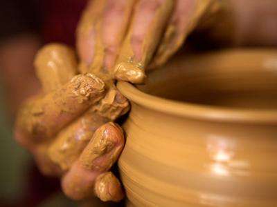 Esempio di lavorazione argilla sul tornio