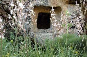 Domus de janas, le case delle fate, Sardegna