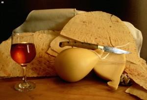 Santu Lussurgiu produce_Su casizolu vino IGT  e coltelli