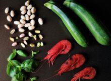 Gamberi, zucchine e pesto di pistacchi