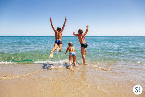 Viaggio in famiglia: 10 spiagge in Sardegna ideali per i bambini