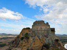 Fra storia e magia visita i 5 castelli più belli della Sardegna!
