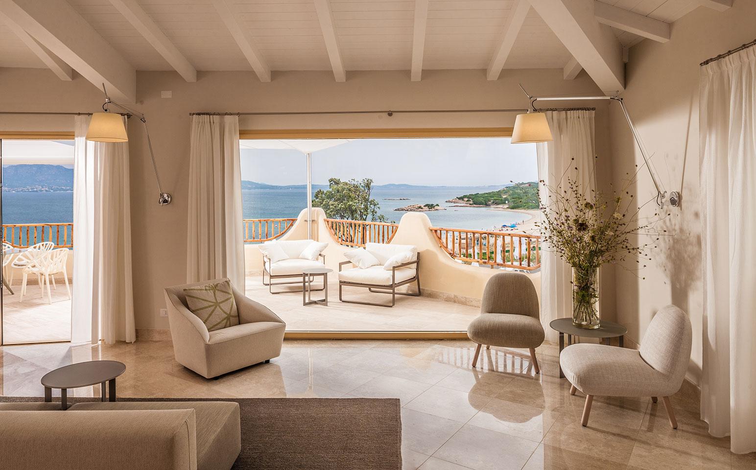 Hotel cala cuncheddi capo ceraso olbia for Design boutique hotel sardinien