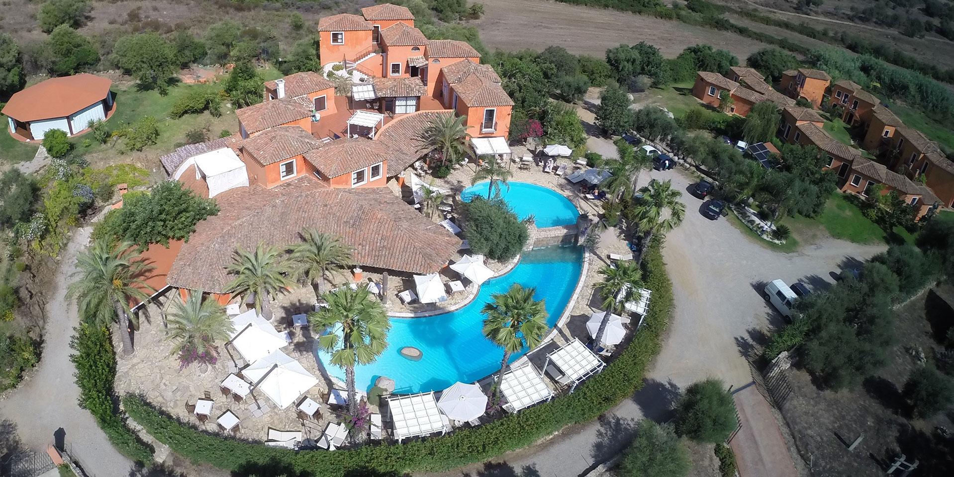 Galanias hotel retreat barisardo sardinien italien for Sardinien design hotel