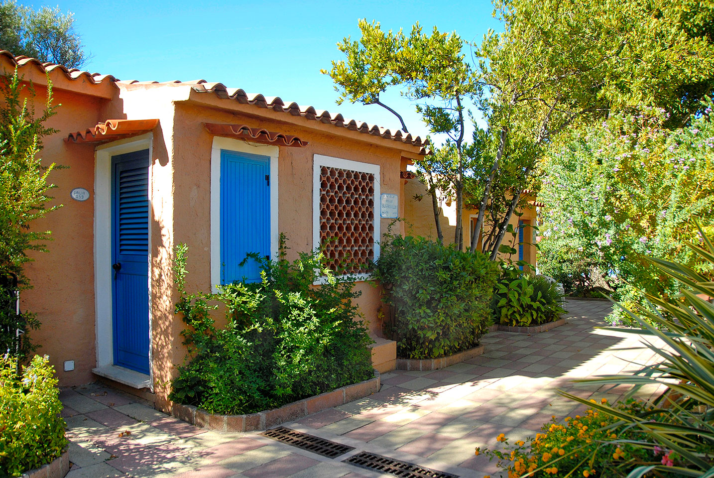 bungalow club village san teodoro sardinien italien On bungalow sardinien