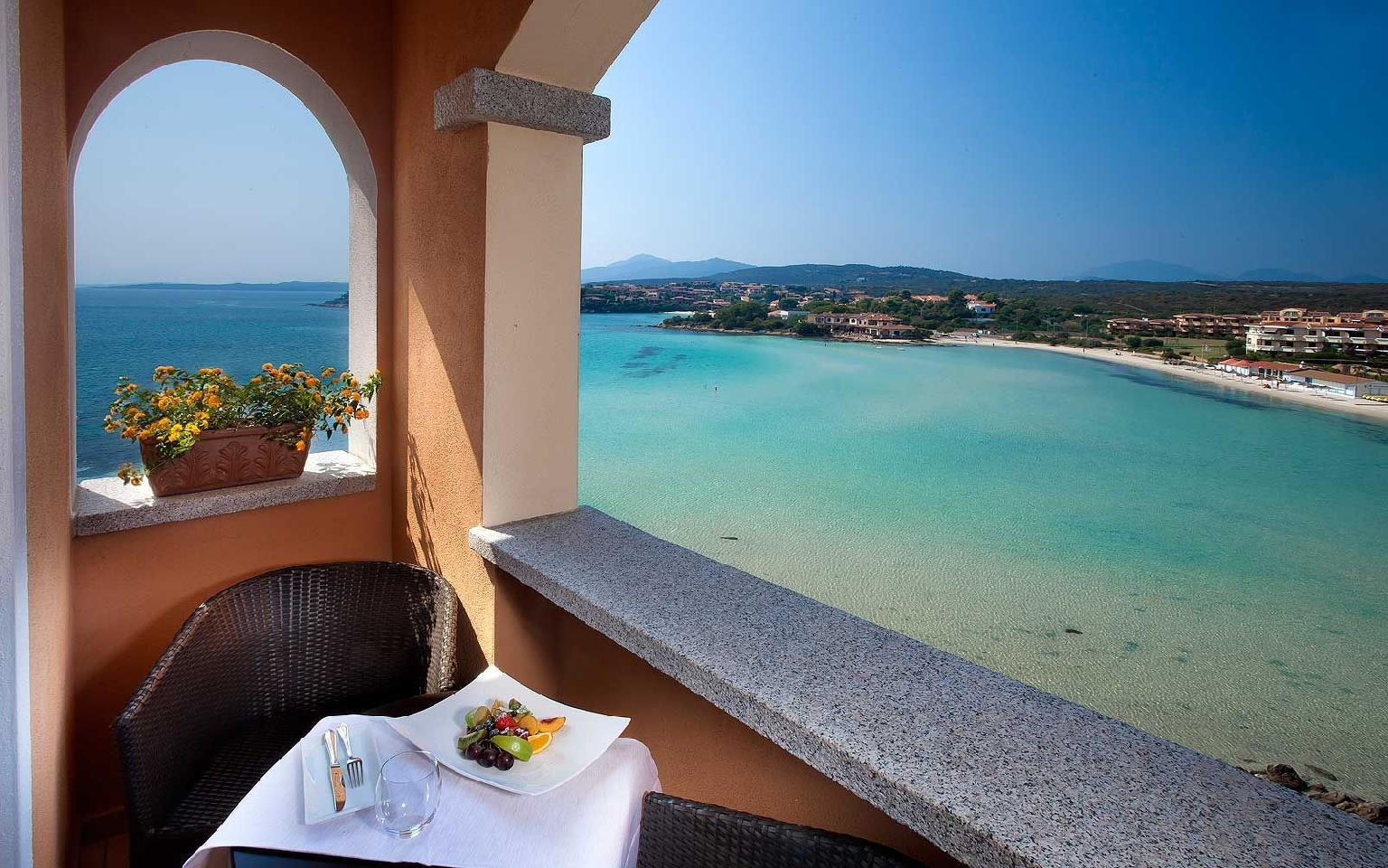 Matrimonio Gabbiano Azzurro : Hotel gabbiano azzurro golfo aranci sardinien italien