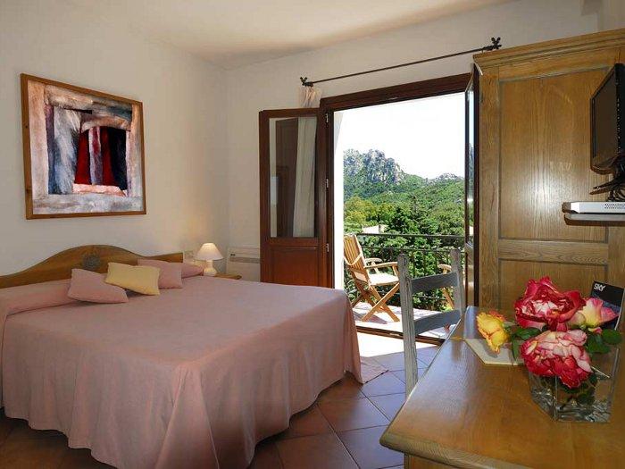 Locanda sant 39 andrea boutique hotel san pantaleo olbia for Sardaigne boutique hotel