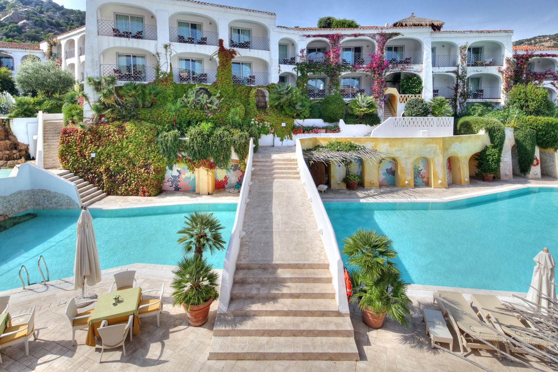 Grand hotel poltu quatu poltu quatu arzachena for Hotels sardaigne