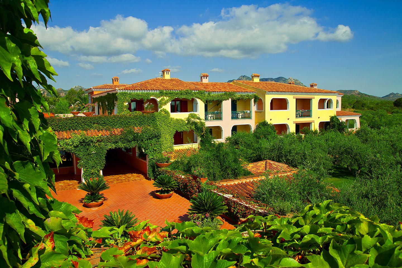 Idee Per Giardini Cala Ginepro Stock Di Giardino Decorativo