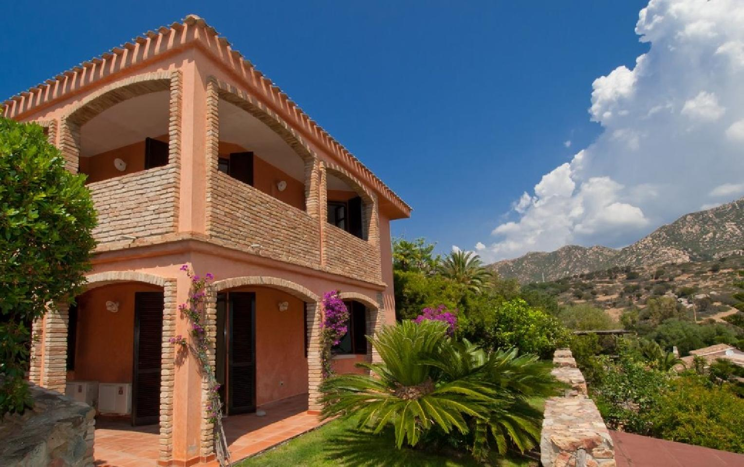 Rental villas in Villasimius sea inexpensively