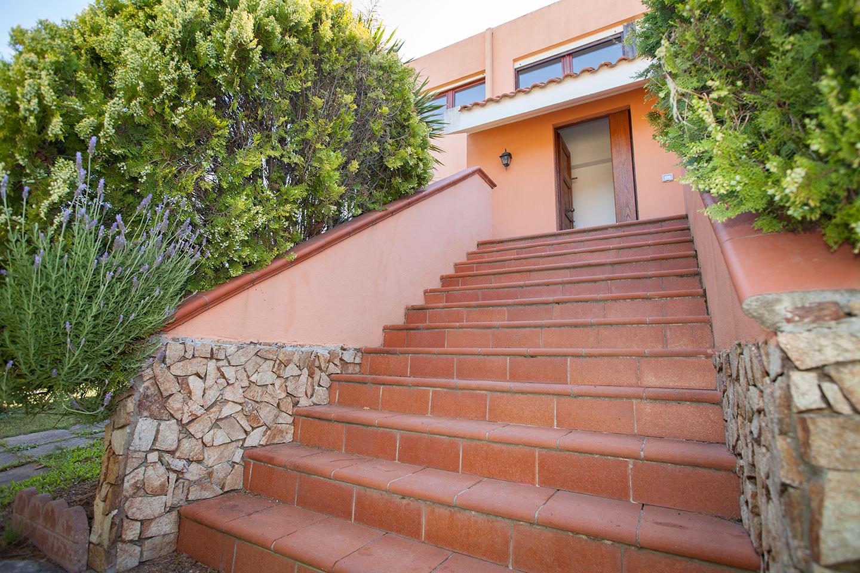 Villa sara flumini quartu sant 39 elena for Subito it arredamento sardegna