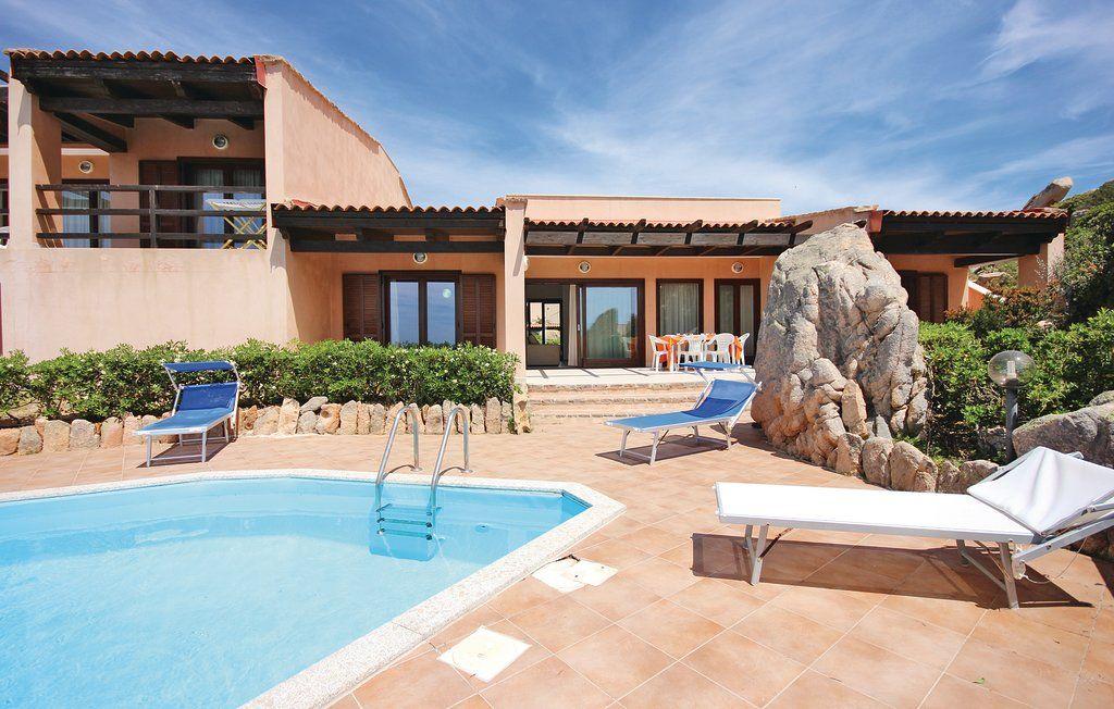 Ville clarissa costa paradiso trinita 39 d 39 agultu for Sardegna casa vacanze
