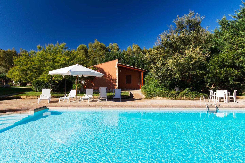 Le residenze monte sixeri santa maria la palma alghero for Sardegna casa vacanze