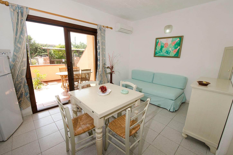 Appartamenti borgo di mare isola rossa trinita 39 d for Appartamenti sardegna