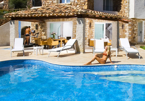 Villas with swimming pool in Sardinia