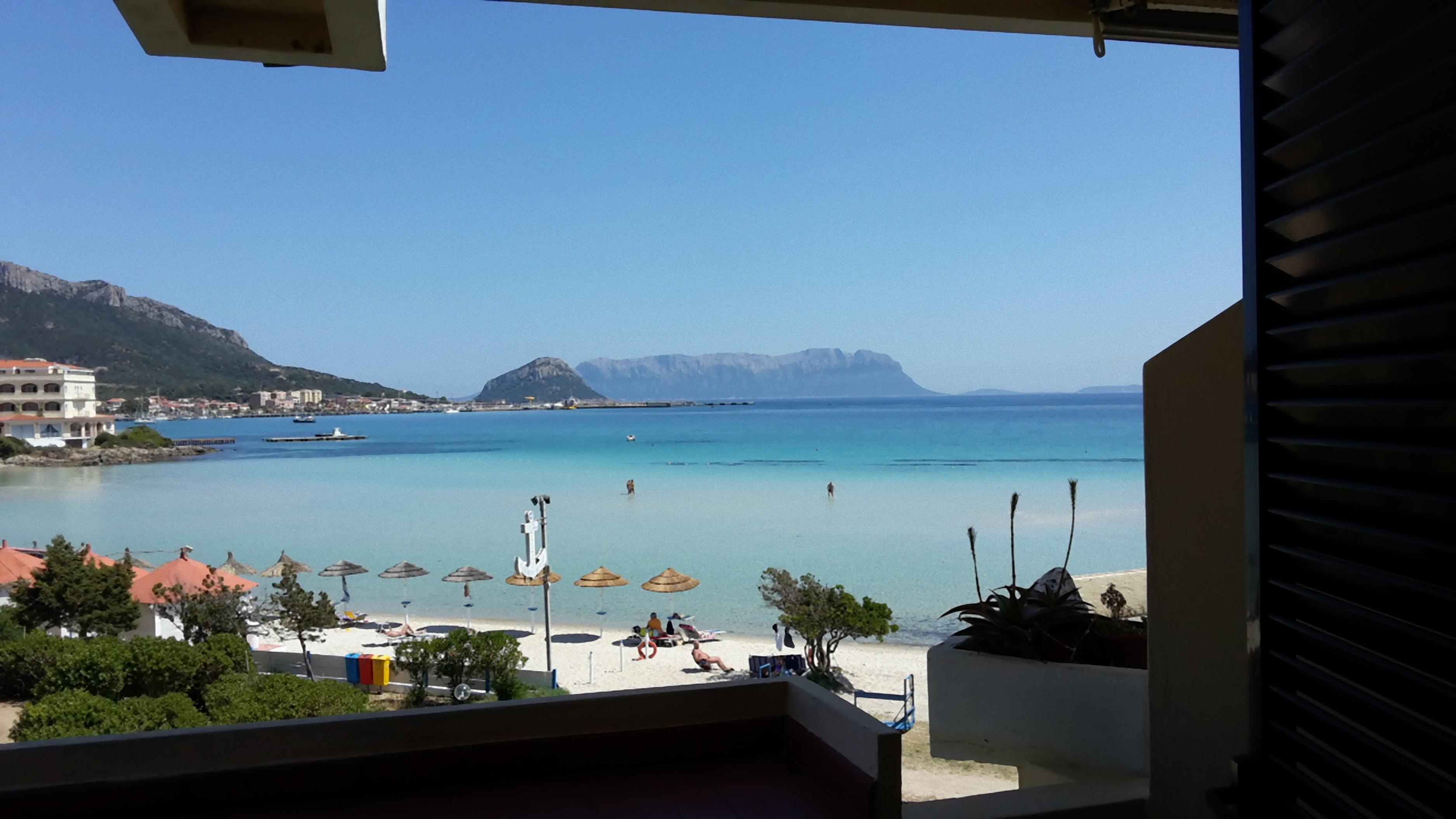 Complesso residenziale terza spiaggia la filasca golfo for Residence in sardegna