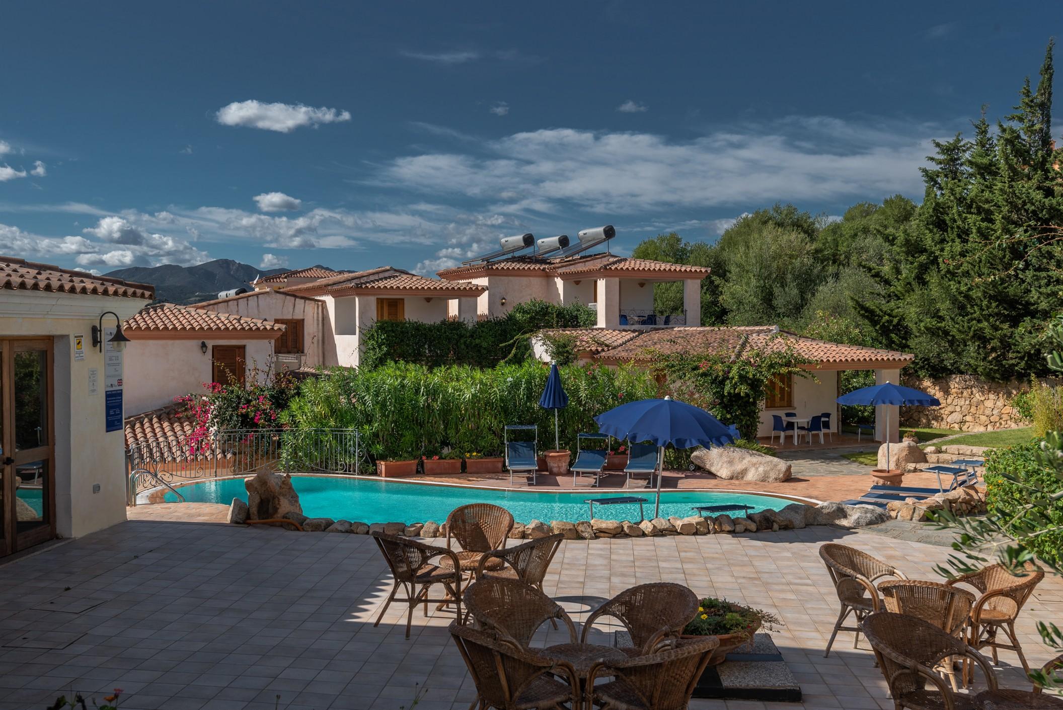 Budoni sardinien italien for Residence agrustos