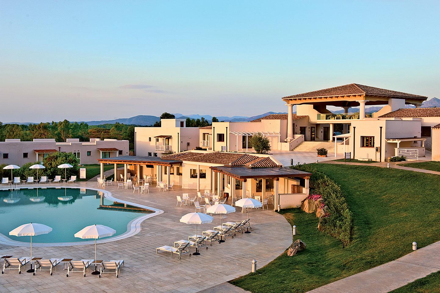 Residence grande baia san teodoro sardinia italy for Residence in sardegna