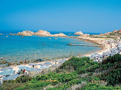 Calarossa village isola rossa trinita 39 d 39 agultu for Villaggio li cuncheddi sardegna