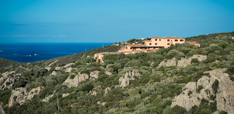 Residence rocce sarde san pantaleo olbia sardinia for Residence in sardegna