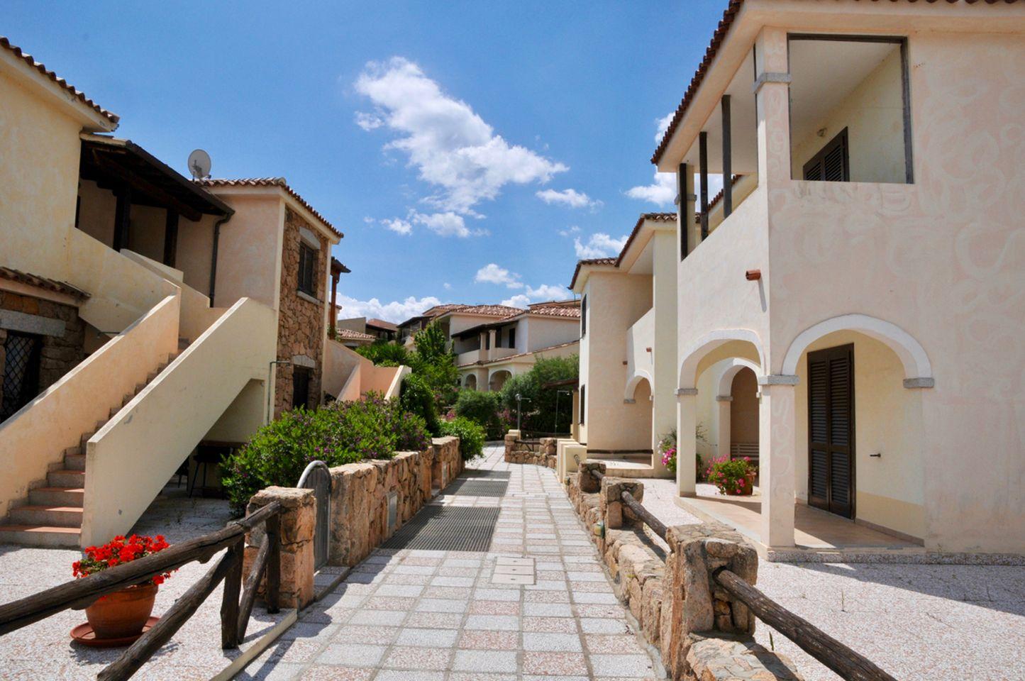 Residence tavolara loiri porto san paolo sardaigne for Residence in sardegna